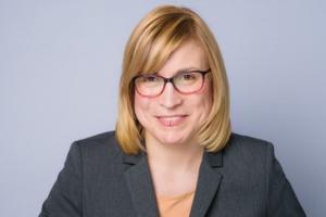 Frau Hopkins, Bereich Kosmetik Cosichem AG